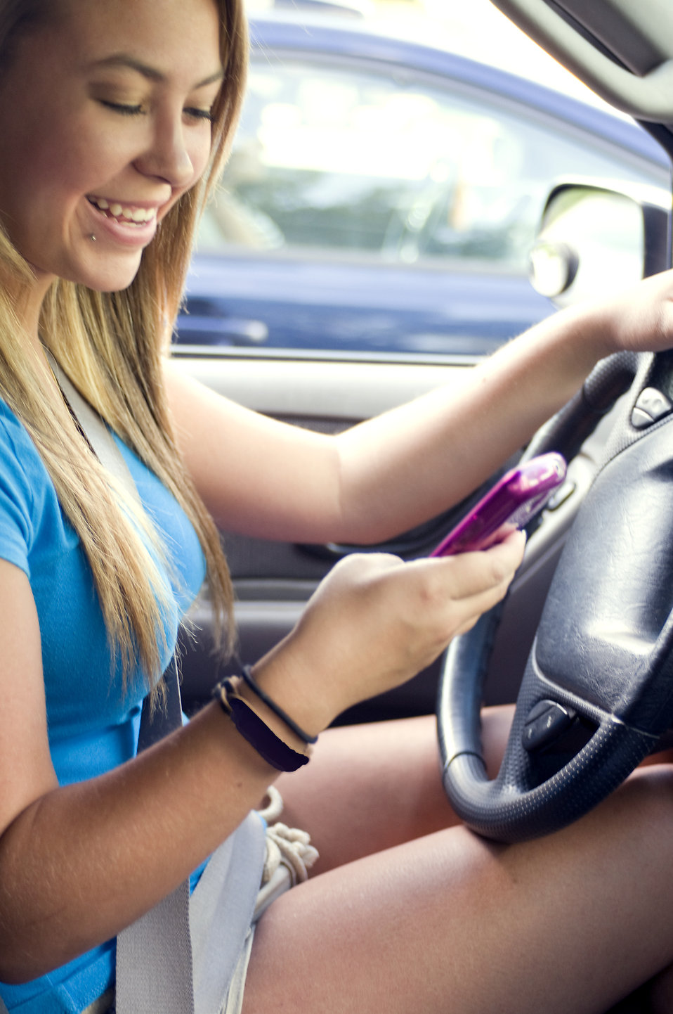 Teen In Car While Texting And Driving