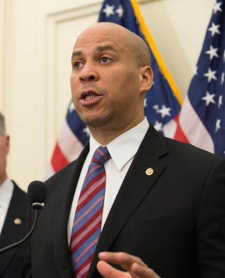 Image: By Senate Democrats (https://www.flickr.com/photos/sdmc/13449716195) [CC BY 2.0 (https://creativecommons.org/licenses/by/2.0)], via Wikimedia Commons
